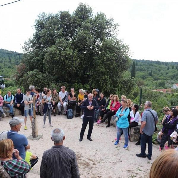POPULARIZACIJA PJEŠAČKIH STAZA Konavoski šetači na turi Čilipi - Grušići - Čilipi