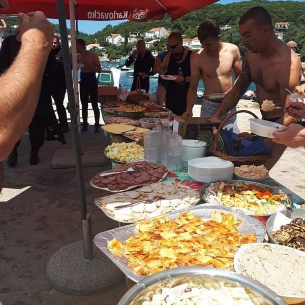 Agroturizam Konavle sudjelovao u VELIKOJ AKCIJI ČIŠĆENJA podmorja u Moluntu